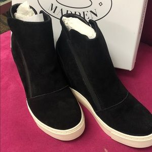 Steve Madden New Black Suede Pull On Sneakers, 9